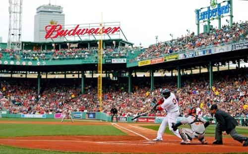 """David Ortiz della battuta dei Boston Red Sox da casa base a Fenway Park """"width ="""" 500 """"style ="""" width: 500px; blocco di visualizzazione; margin-left: auto; margin-right: auto; """"srcset ="""" https://blog.hubspot.com/hs-fs/hubfs/david-ortiz-fenway.jpg?t=1538195537844&width=250&name=david-ortiz-fenway.jpg 250w, https : //blog.hubspot.com/hs-fs/hubfs/david-ortiz-fenway.jpg? t = 1538195537844 & width = 500 & name = david-ortiz-fenway.jpg 500w, https://blog.hubspot.com/hs- fs / hubfs / david-ortiz-fenway.jpg? t = 1538195537844 & width = 750 & name = david-ortiz-fenway.jpg 750w, https://blog.hubspot.com/hs-fs/hubfs/david-ortiz-fenway.jpg ? t = 1538195537844 & width = 1000 & name = david-ortiz-fenway.jpg 1000w, https://blog.hubspot.com/hs-fs/hubfs/david-ortiz-fenway.jpg?t=1538195537844&width=1250&name=david-ortiz- fenway.jpg 1250w, https://blog.hubspot.com/hs-fs/hubfs/david-ortiz-fenway.jpg?t=1538195537844&width=1500&name=david-ortiz-fenway.jpg 1500w """"sizes ="""" (max. larghezza: 500px) 100vw, 500px"""