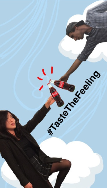 "Divertente disegno Snapchat di due persone che toccano le bottiglie di Coca-Cola insieme all'hashtag #TasteTheFeeling ""title ="" gusto-il-sentimento-coca-cola-snapchat-1.jpg ""width ="" 370 ""height ="" 647 ""srcset ="" https://blog.hubspot.com/hs-fs/hubfs/taste-the-feeling-coca-cola-snapchat-1.jpg?t=1539571477767&width=185&height=324&name=taste-the-feeling-coca-cola- snapchat-1.jpg 185w, https://blog.hubspot.com/hs-fs/hubfs/taste-the-feeling-coca-cola-snapchat-1.jpg?t=1539571477767&width=370&height=647&name=taste-the -feeling-coca-cola-snapchat-1.jpg 370w, https://blog.hubspot.com/hs-fs/hubfs/taste-the-feeling-coca-cola-snapchat-1.jpg?t=1539571477767&width= 555 & height = 971 & name = gusto-the-feeling-coca-cola-snapchat-1.jpg 555w, https://blog.hubspot.com/hs-fs/hubfs/taste-the-feeling-coca-cola-snapchat-1 .jpg? t = 1539571477767 & width = 740 & height = 1294 & name = taste-the-feeling-coca-cola-snapchat-1.jpg 740w, https://blog.hubspot.com/hs-fs/hubfs/taste-the-feeling- coca-cola-Snapchat-1.jpg? t = 1.539.571,477767 millions & width = 925 height = & 1618 & name = taste-the-feeling-coca-cola-snapchat-1.jpg 925w, https://blog.hubspot.com/hs-fs/hubfs/taste-the-feeling-coca-cola-snapchat-1.jpg?t = 1539571477767 & width = 1110 & height = 1941 & name = taste-the-feeling-coca-cola-snapchat-1.jpg 1110w ""sizes ="" (larghezza massima: 370px) 100vw, 370px"