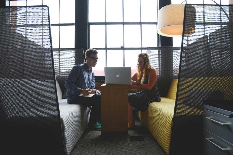 4 curve di apprendimento radicali che ogni Marketer dovrebbe padroneggiare (o esternalizzare a un professionista)