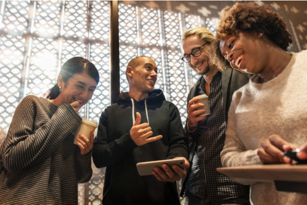 6 modi per ottimizzare l'ascolto sociale per generare business leader