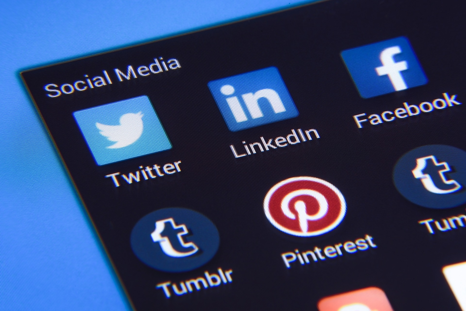 Come una strategia frammentata di social media può danneggiare il tuo marchio