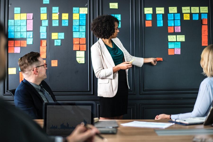 Il potere della difesa dei dipendenti per i team di marketing [Infographic + Video]
