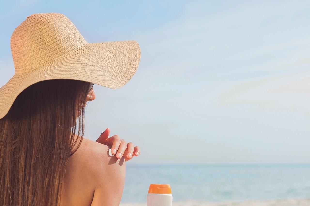 Le 5 migliori strategie sui social media per promuovere la tua attività di abbronzatura spray