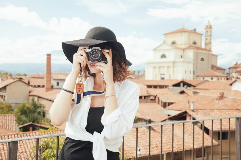 Immagini dei social media usando la fotografia a focale