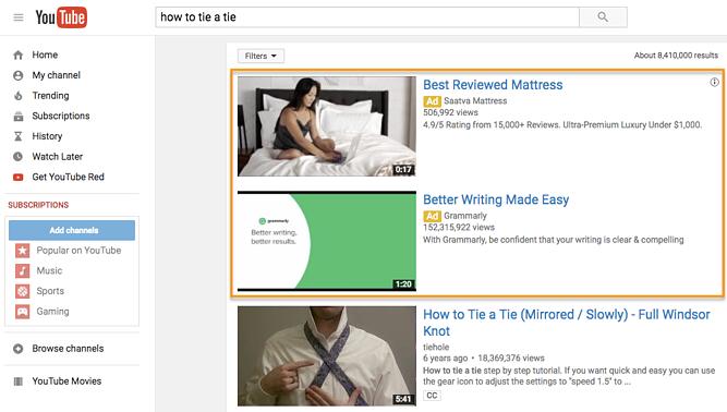 Due annunci di rilevamento video TrueView in un risultato di ricerca di YouTube