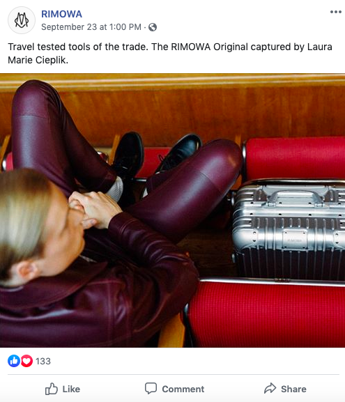 Post Facebook di RIMOWA