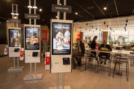 "Chioschi self service McDonald ""width ="" 550 ""height ="" 367 ""srcset ="" https://megamarketing.it/wp-content/uploads/2020/01/1578995947_566_Demistificare-la-verità-sul-commercio.png 550w , https://www.smartinsights.com/wp-content/uploads/2020/01/McDonalds-self-service-kiosks-700x467.png 700w, https://www.smartinsights.com/wp-content/uploads/ 2020/01 / McDonalds-self-service-kiosks-150x100.png 150w, https://www.smartinsights.com/wp-content/uploads/2020/01/McDonalds-self-service-kiosks-768x512.png 768w, https://www.smartinsights.com/wp-content/uploads/2020/01/McDonalds-self-service-kiosks-250x167.png 250w, https://www.smartinsights.com/wp-content/uploads/2020 /01/McDonalds-self-service-kiosks.png 849w ""dimensioni ="" (larghezza massima: 550px) 100vw, 550px"