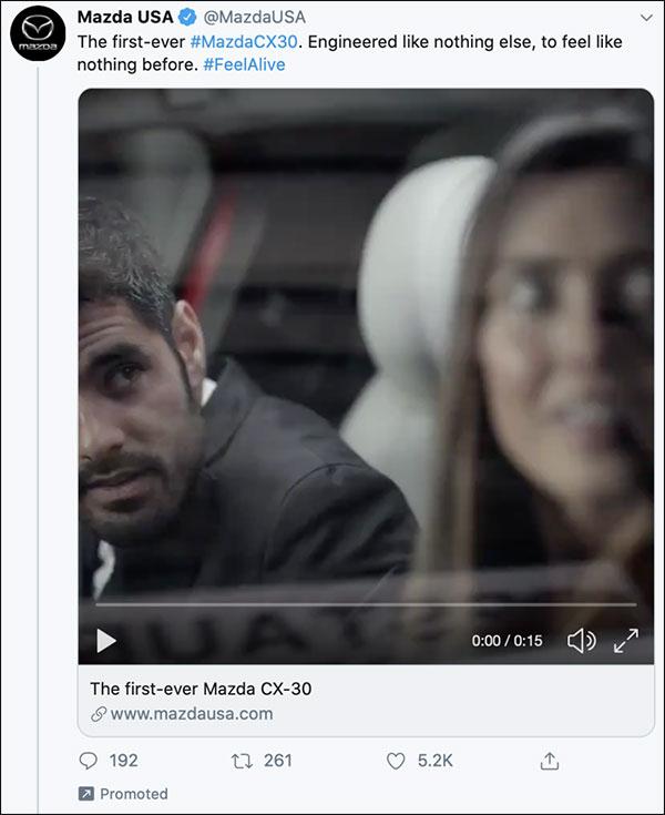 Un profilo Twitter Mazda con il titolo,