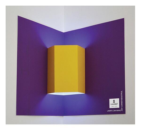 La pubblicità stampata di Lladro includeva diversi tipi di lampade pop-up.