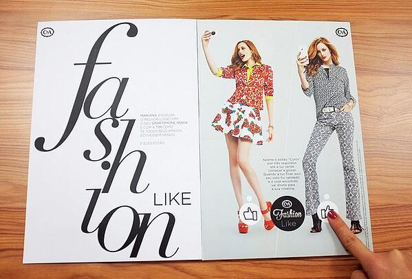 Annuncio di stampa interattivo di C&A fashion con social media come pulsanti Mi piace.